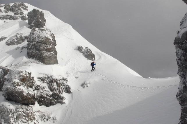 traverse towards the summit