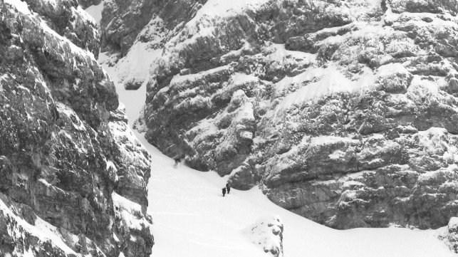 Couloirs and skiers as far as the eye can reach